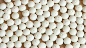 Tabletki z lewotyroksyną.