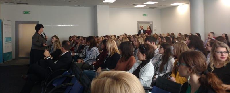 Ponad 400 farmaceutów i opieka farmaceutyczna w praktyce. Pierwsza edycja konferencji Opieka Farmaceutyczna od Zaraz za nami!