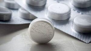 Tabletka paracetamolem.